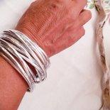 Bracciale multigiro in alluminio battuto