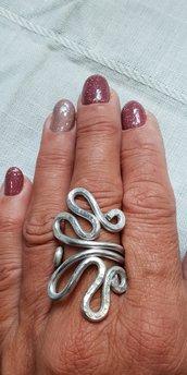 Anello regolabile in alluminio battuto