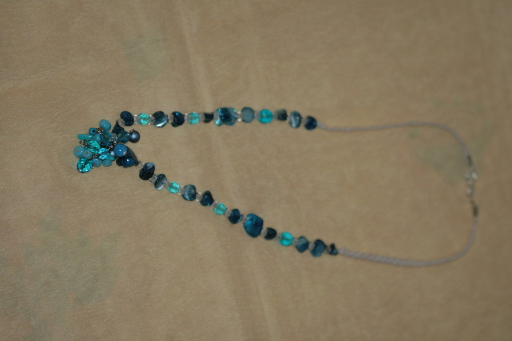 collana madreperla azzurri