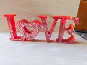 "Scritta luminosa ""LOVE"""