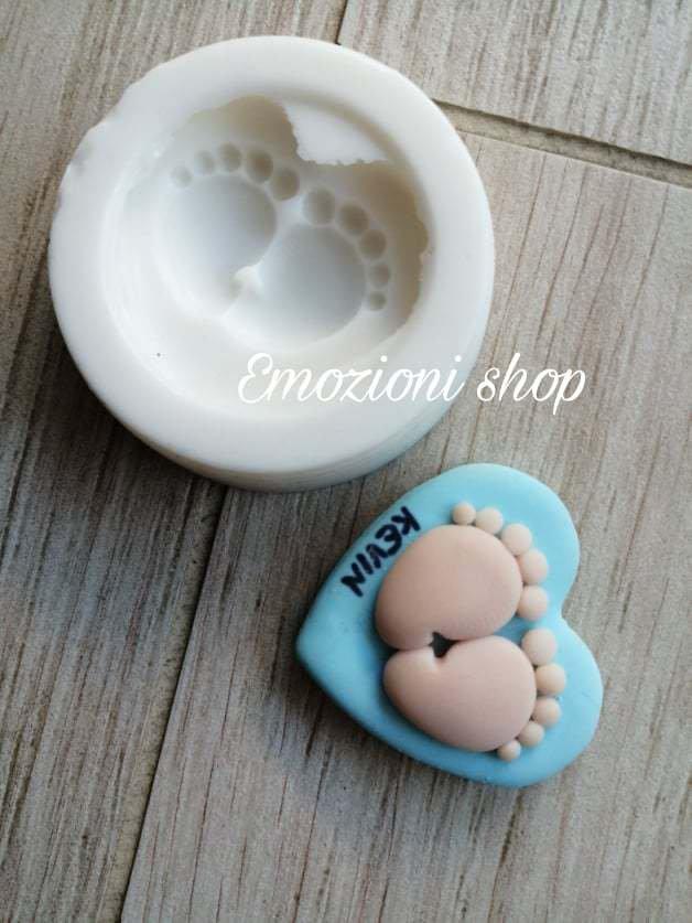 Stampo silicone piedini neonato con cuore per gesso resina fimo fatto a mano