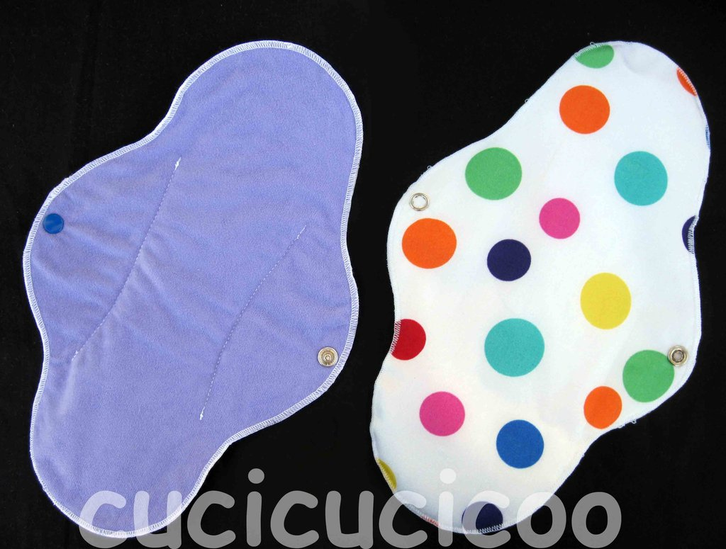 assorbente ultra impermeabile lavabile (viola e pallini colorati) / ultra waterproof cloth menstrual sanitary pad