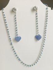 Collana girocollo stile rosario con perline azzurre.e orecchini abbinati.
