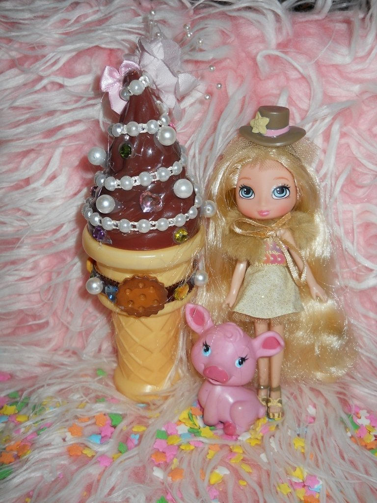 Sweet Ice Cream Cone Bubble Blower // FREE chain ball necklace include N-2