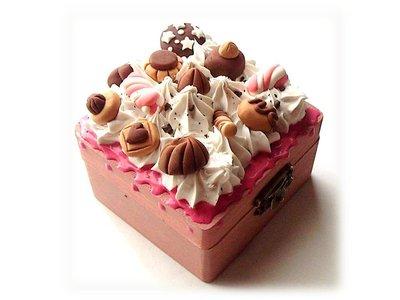 Scatolina portagioie-panna glassa dolcetti