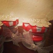 Barattolini  portaconfetti in bianco e rosso country