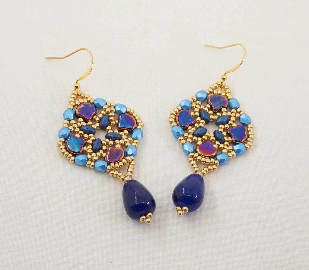 orecchini pendenti goccia pietra dura giada zaffiro tessitura di perline vetro colorato