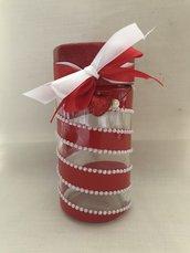 Barattolo decorato a mano rosso con perle