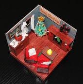 Modellino natalizio salotto in legno dipinto a mano personalizzabile