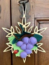 Cristallo di neve con grappolo d'uva