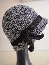 Cappello donna ciniglia grigio/azzurro e lana nera