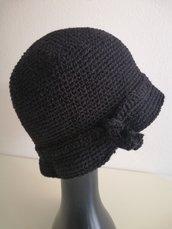 Cappello donna lana nera modello cloche