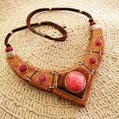 Collana girocollo in legno stile etnico