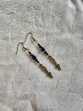 Orecchini stile steampunk con lancette color oro anticato e cristalli neri