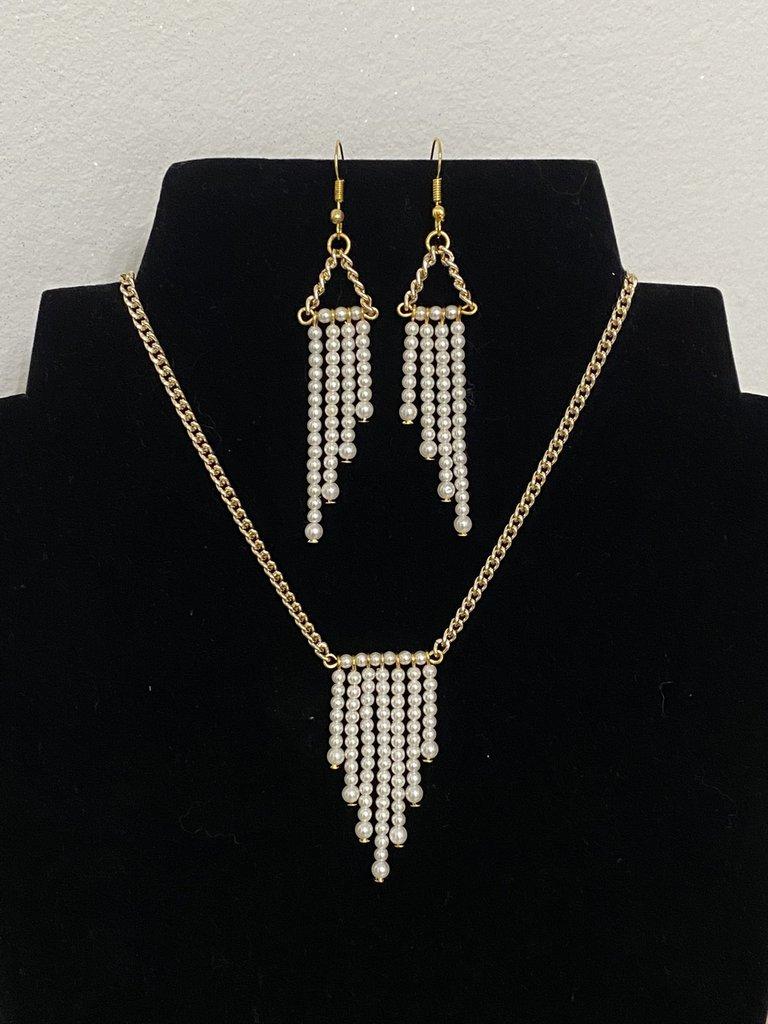 Parure collana e orecchini con perline avorio