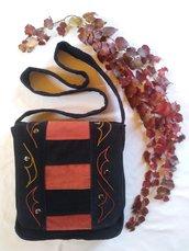 Borsa di velluto nero e ruggine artigianale