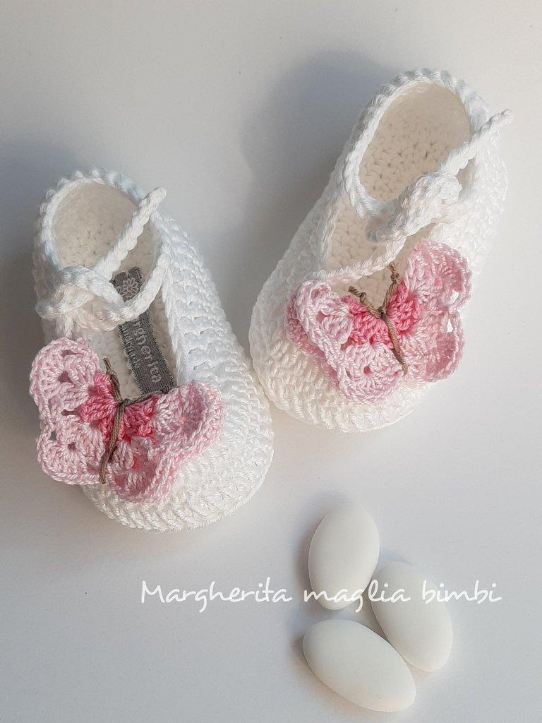 Scarpine bianche per neonata/bambina - farfalle rosa - fatte a mano - Battesimo