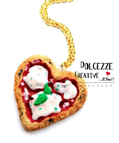 Collana Pizza margherita - con pomodoro, mozzarella e basilico. - handmade kawaii miniature cuore