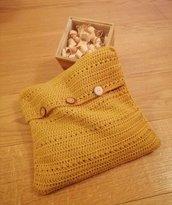 Woody Crochet - Cuscino imbottito con fiocchi di Cirmolo - Fodera esterna all'uncinetto