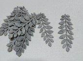 foglie in feltro grigio sfumato