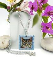 Collana gattino, ciondolo gatto in vetro fusione, gatto dipinto a mano