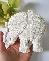 Stampo elefante decorato con gancio per parete