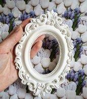 Stampo cornice ovale barocca vuota