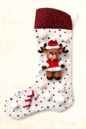 Calza di Natale con renna e fiocchi di neve