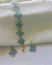 """Parure orecchini e bracciale di perline, oro e azzurro ghiaccio """"Breath Iced"""""""