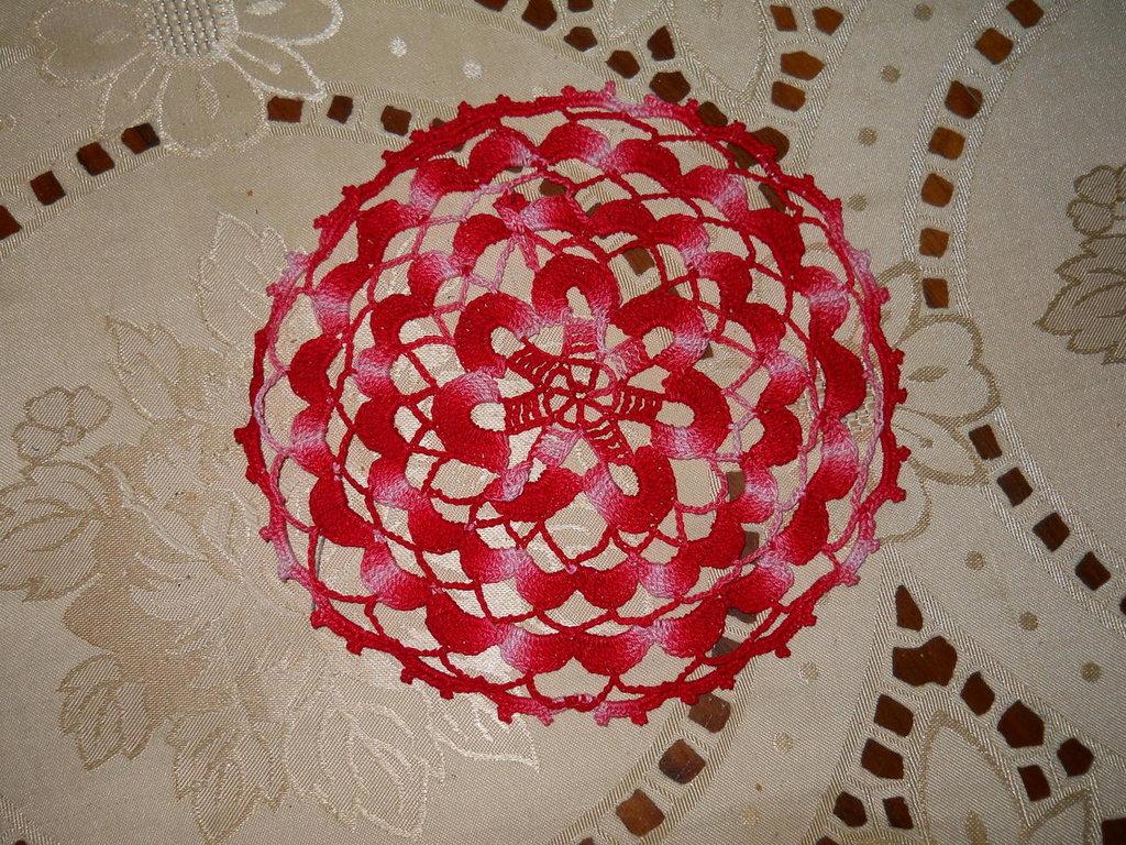 17) Centrino uncinetto cotone sfumato