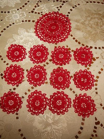 20) Set 12 sottobicchieri colore rosso