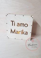 Lampada led personalizzabile in legno idea regalo san valentino maestre