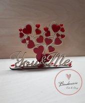 Idea regalo San Valentino albero con cuori rossi in plexiglass
