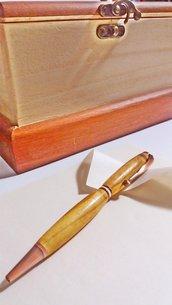 Penna fatta a mano, in legno di ulivo e rame anticata, regalo San Valentino, laurea, compleanno, artigianale,