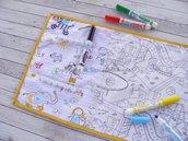 Tovaglietta da tavolo da colorare con 12 pennarelli (scuola bordo giallo)