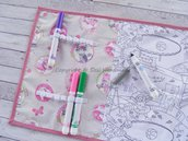 Tovaglietta da tavolo da colorare con 12 pennarelli (gatti rosa)