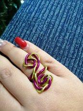 Anello wire doppio colore fucsia e oro