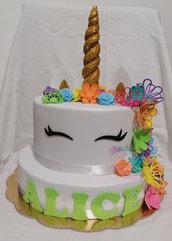Torta scenografica unicorno- torta finta in gomma unicorno