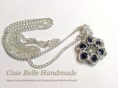Collana in placcato argento con ciondolo chainmaille e perline nere