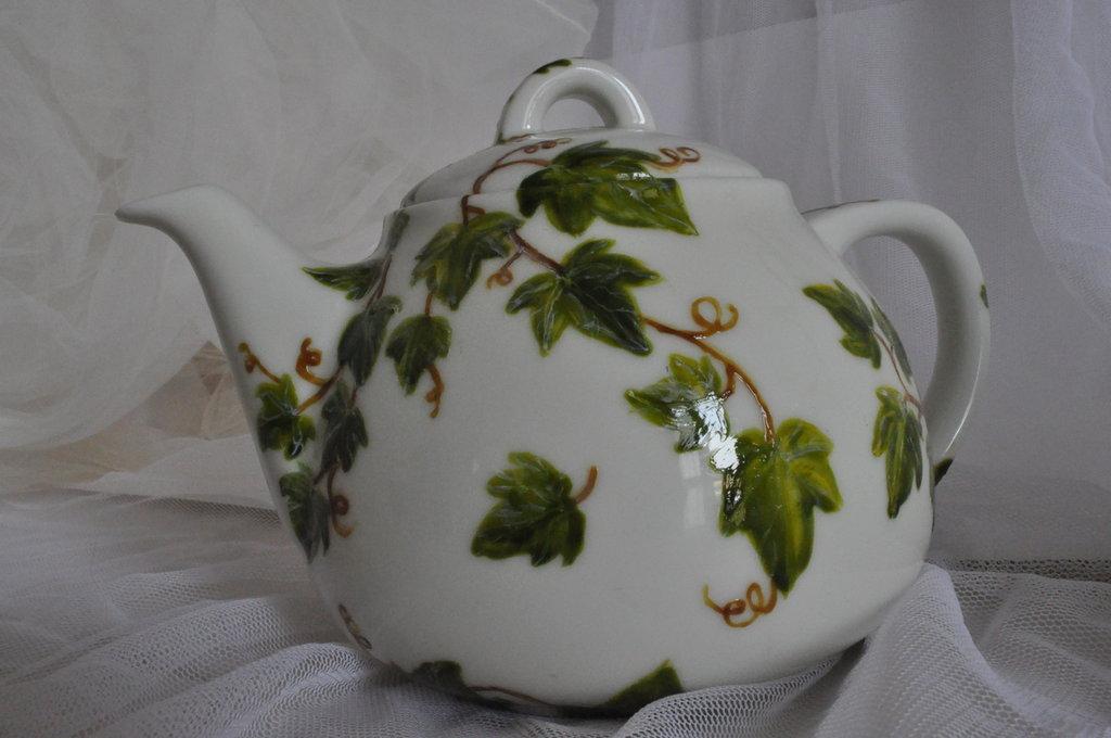 Edera Collection: Teiera