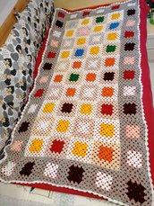 Coperta granny square, uncinetto, copertina della nonna