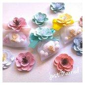 Confettata segnaposto prima comunione con simbolo religioso e fiore in carta, confetti decorati