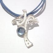 """Ciondolo da donna """"croce"""" in argento 925 con tormalina celeste fatto a mano C18"""
