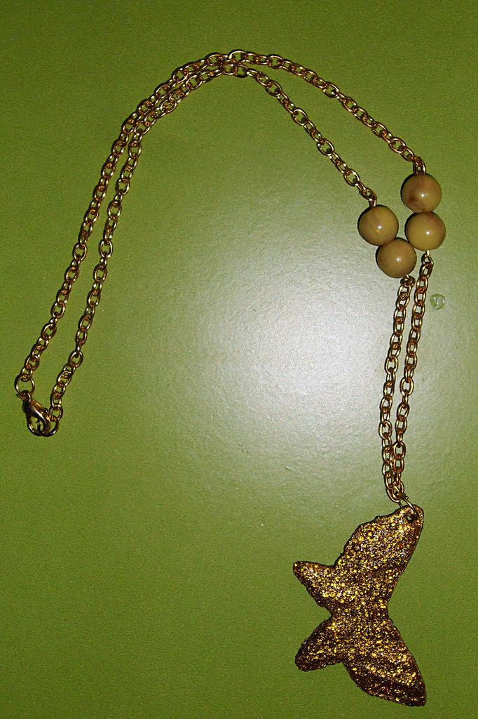 Collana a Farfalla in Fimo e Perle Dorate
