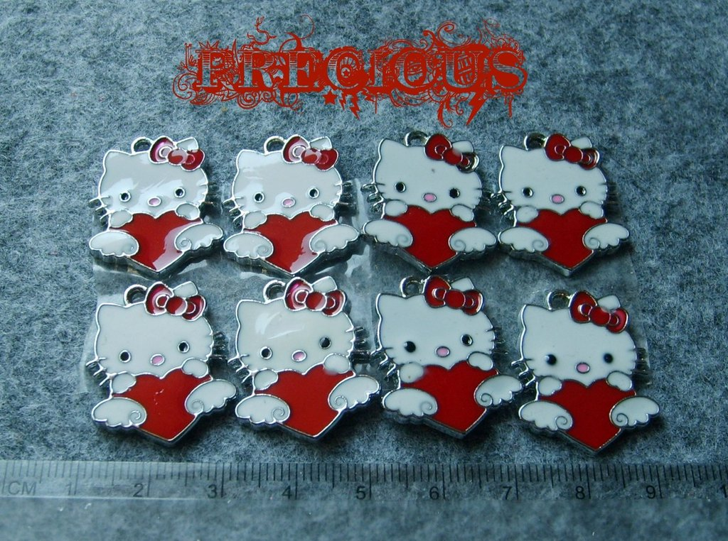 Charms Hello Kitty smaltato rosso