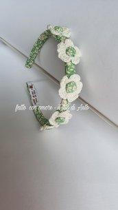 Cerchietto bambina con fiori rivestito a mano