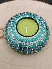 Portacandele verde dipinto a mano con disegno mandala