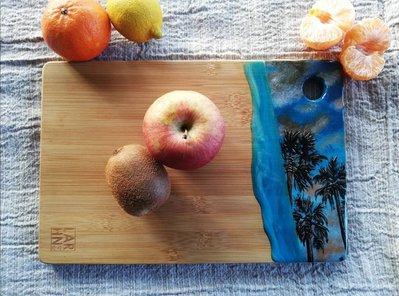 Tagliere in legno di bambú dipinto a mano con resina protettiva