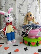 Alice nel paese delle meraviglie e il bianconiglio