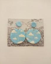 orecchini pendenti azzurri fantasia cielo con nuvole fatti a mano